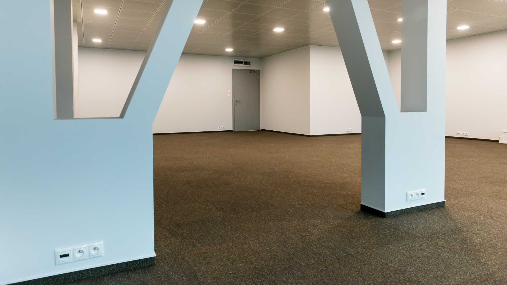 OPEN-SPACE KANCELÁRIE Aston Building
